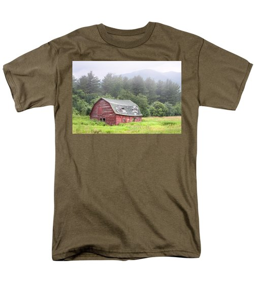 Rustic Landscape - Red Barn - Old Barn And Mountains Men's T-Shirt  (Regular Fit)