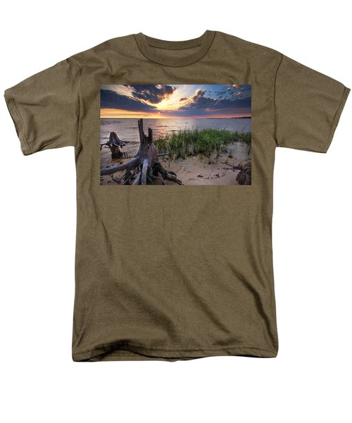 Stumps And Sunset On Oyster Bay Men's T-Shirt  (Regular Fit)