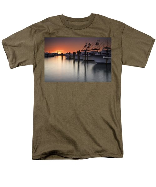 Sunset At The Pelican Yacht Club Men's T-Shirt  (Regular Fit) by Fran Gallogly