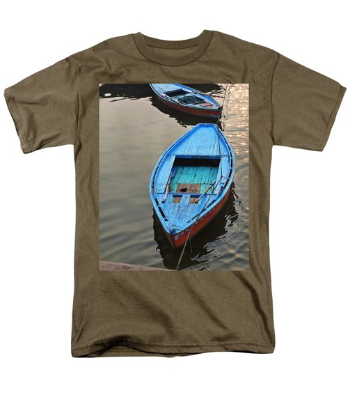 The Blue Boat Men's T-Shirt  (Regular Fit)