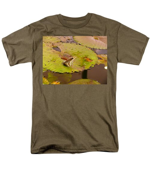 Men's T-Shirt  (Regular Fit) featuring the photograph The Frog by Evelyn Tambour