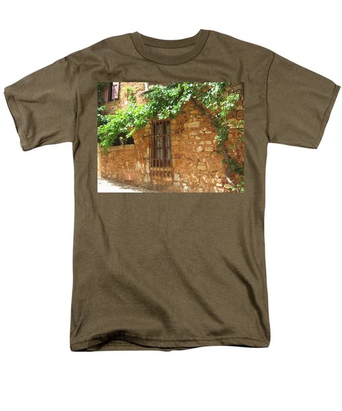 Men's T-Shirt  (Regular Fit) featuring the photograph The Grapevine by Pema Hou