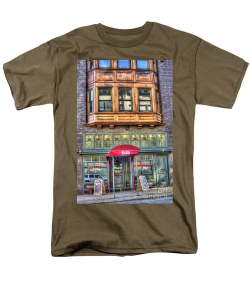 The Majestic Restaurant Men's T-Shirt  (Regular Fit) by Liane Wright