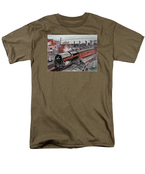 The Powhatan Arrow Roars Through The Yards Into Portmouth Men's T-Shirt  (Regular Fit) by Frank Hunter