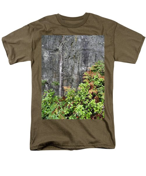Men's T-Shirt  (Regular Fit) featuring the photograph Thetis In Fall by Cheryl Hoyle