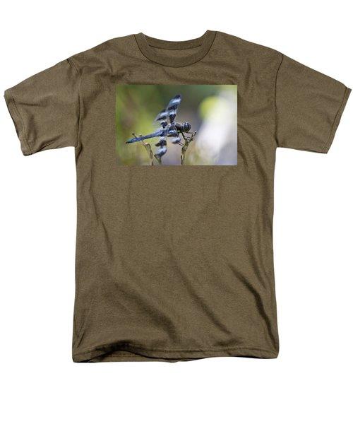 Twelve Spot Hanging Out Men's T-Shirt  (Regular Fit) by Shelly Gunderson