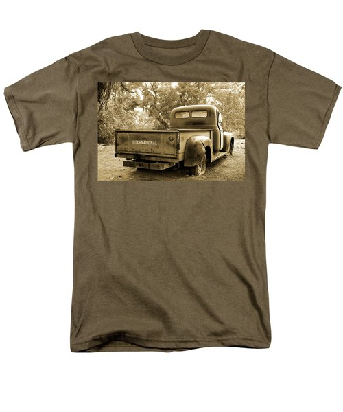 Men's T-Shirt  (Regular Fit) featuring the photograph Vintage International by Steven Bateson