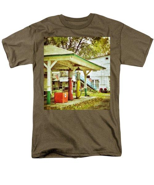 Visible Gas Pumps Men's T-Shirt  (Regular Fit)
