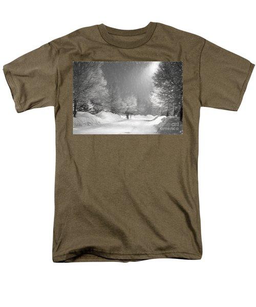 Winter Walk Men's T-Shirt  (Regular Fit) by Les Palenik