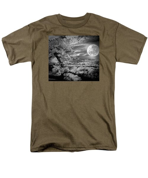 Men's T-Shirt  (Regular Fit) featuring the photograph When The Moon Comes Over Da Mountain by Robert McCubbin