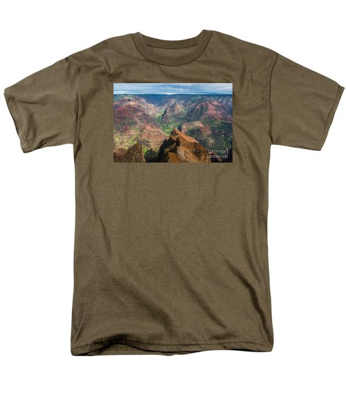 Men's T-Shirt  (Regular Fit) featuring the photograph Wonders Of Waimea by Suzanne Luft