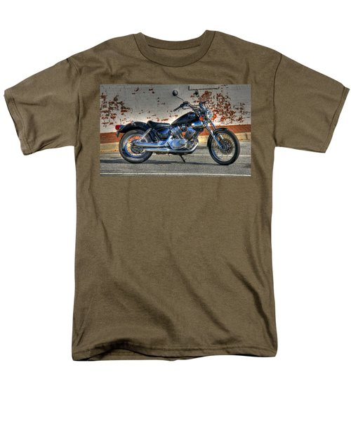 Men's T-Shirt  (Regular Fit) featuring the photograph Yamaha Virago 01 by Andy Lawless
