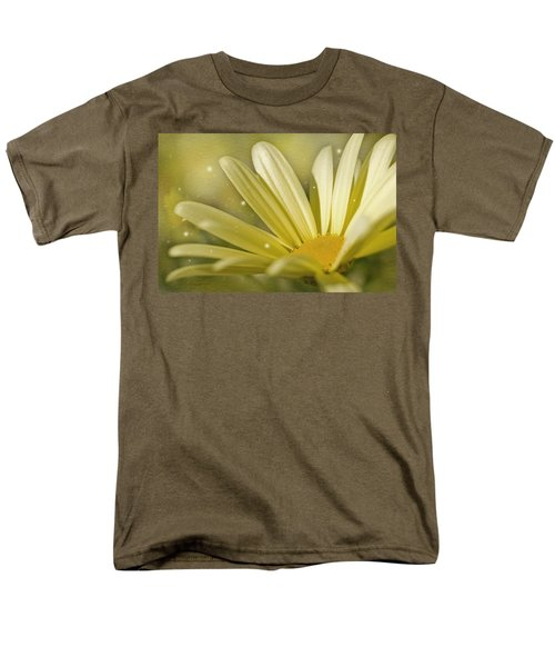 Men's T-Shirt  (Regular Fit) featuring the photograph Yellow Daisy by Ann Lauwers