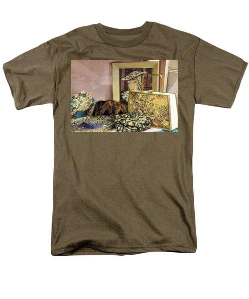 A Little Romance II Men's T-Shirt  (Regular Fit)
