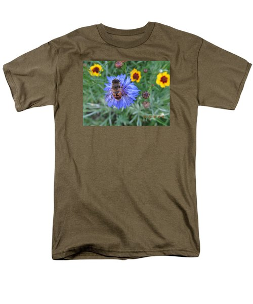 Men's T-Shirt  (Regular Fit) featuring the photograph Afternoon Feeding by Tina M Wenger