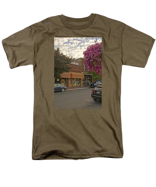 Blind Georges And Laughing Clam On G Street In Grants Pass Men's T-Shirt  (Regular Fit) by Mick Anderson