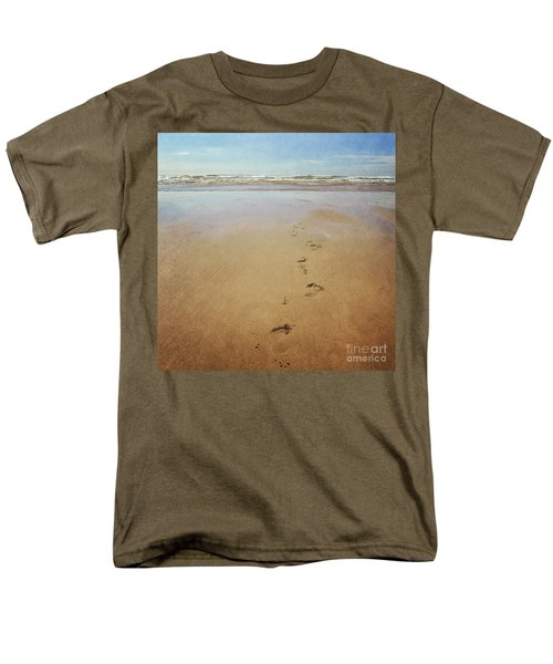 Footprints In The Sand Men's T-Shirt  (Regular Fit) by Lyn Randle