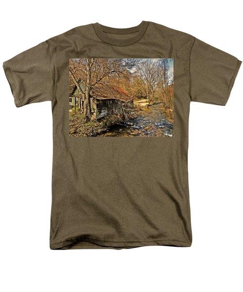 Old Home On A River Men's T-Shirt  (Regular Fit) by Susan Leggett