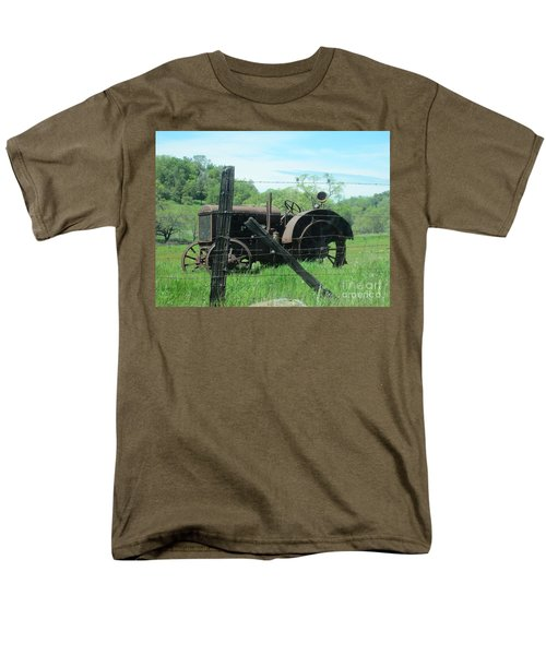 Men's T-Shirt  (Regular Fit) featuring the photograph Retired by Laurianna Taylor