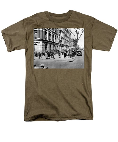 School's Out In Harlem Men's T-Shirt  (Regular Fit) by Underwood Archives