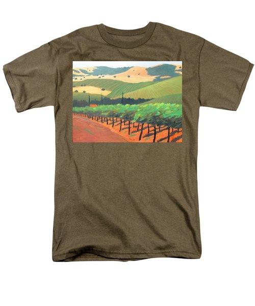 Sonoma Vinyard Men's T-Shirt  (Regular Fit) by Gary Coleman