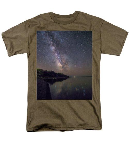 Lake Oahe  Men's T-Shirt  (Regular Fit)