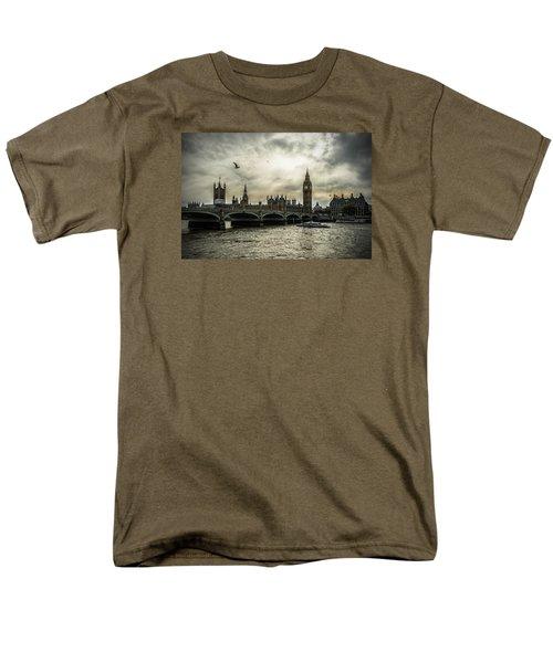 London Men's T-Shirt  (Regular Fit) by Jaroslaw Grudzinski