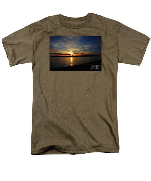 Welcome Beach 2015 3 Men's T-Shirt  (Regular Fit) by Elaine Hunter