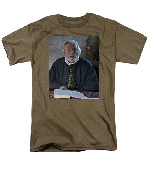 1600's Pilgrim Men's T-Shirt  (Regular Fit) by Stephen Flint