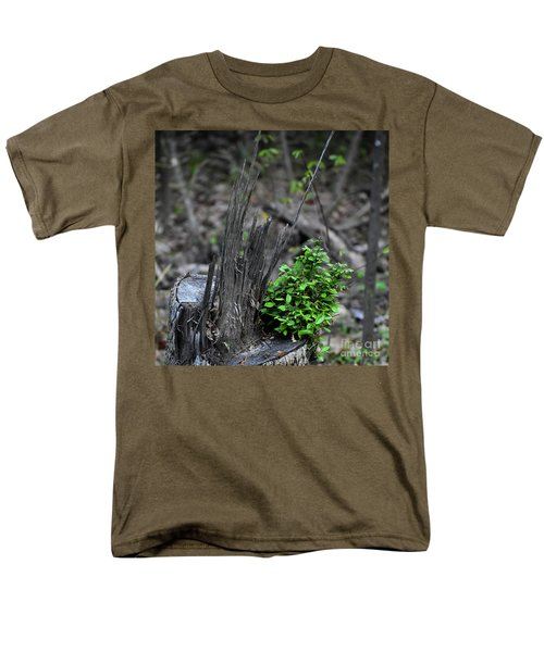 Men's T-Shirt  (Regular Fit) featuring the photograph Persistence by Skip Willits
