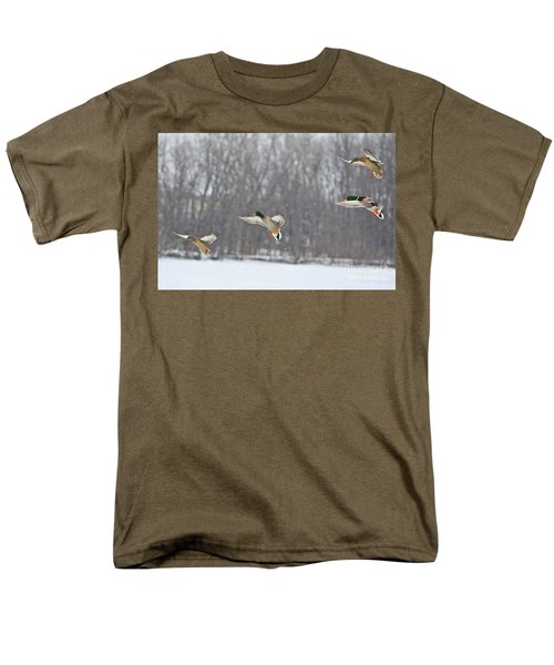 4 In A Row Men's T-Shirt  (Regular Fit) by Robert Pearson