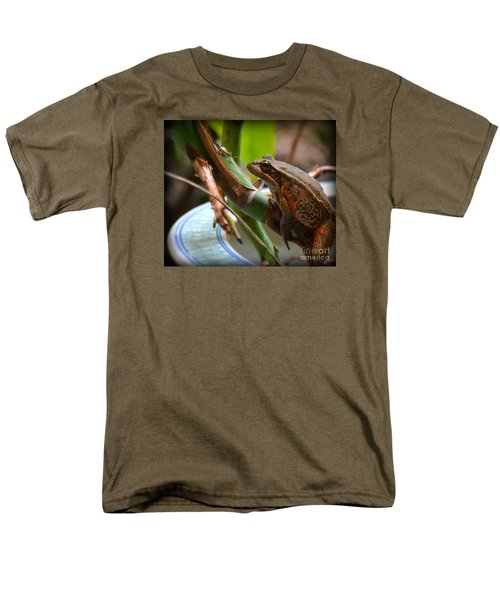 Men's T-Shirt  (Regular Fit) featuring the photograph A Guest by Tanya  Searcy
