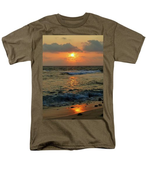 Men's T-Shirt  (Regular Fit) featuring the photograph A Sunset To Remember by Lori Seaman