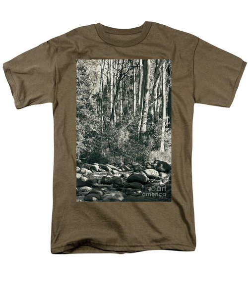 Men's T-Shirt  (Regular Fit) featuring the photograph All Was Tranquil by Linda Lees