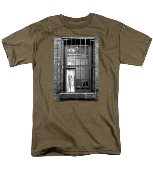 Men's T-Shirt  (Regular Fit) featuring the photograph Almost Home by Joe Jake Pratt