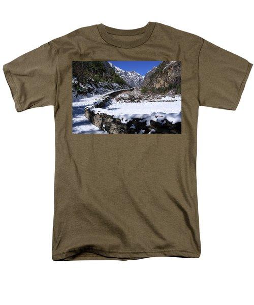 Annapurna Circuit Trail Men's T-Shirt  (Regular Fit) by Aidan Moran