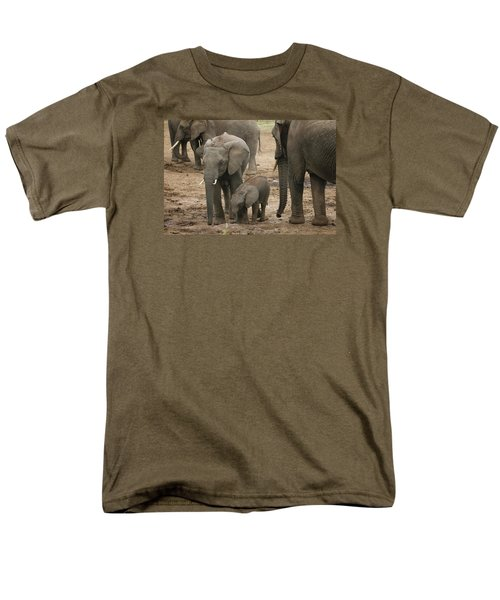 Men's T-Shirt  (Regular Fit) featuring the photograph At The Salt Lick 2 by Gary Hall