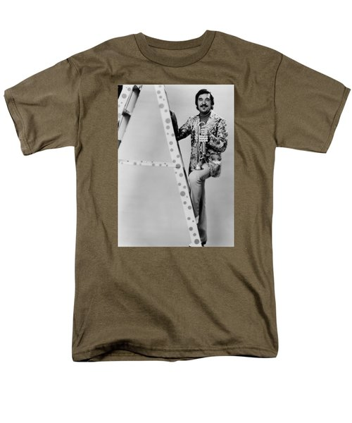 Band Leader Doc Severinson 1974 Men's T-Shirt  (Regular Fit)