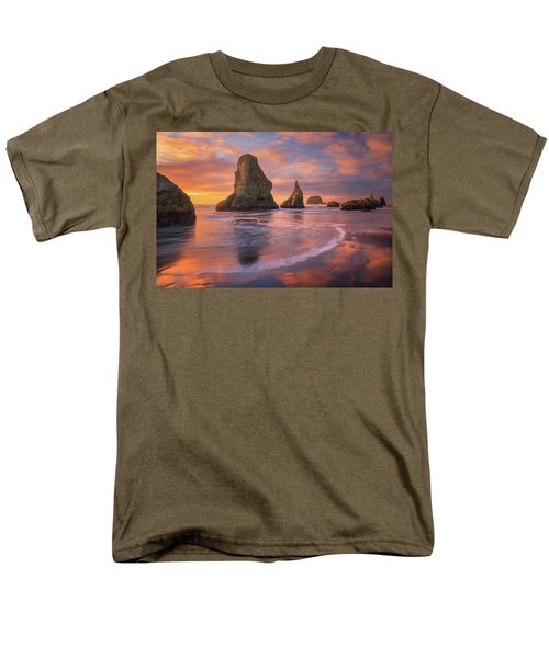 Men's T-Shirt  (Regular Fit) featuring the photograph Bandon's New Years Eve Light Show by Darren White