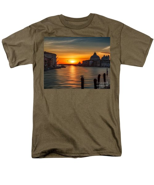 Basilica Di Santa Maria Dela Salute, Venice Men's T-Shirt  (Regular Fit) by Rod Jellison