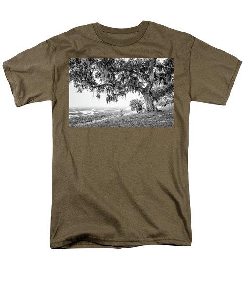 Bay Street Oak View Men's T-Shirt  (Regular Fit)