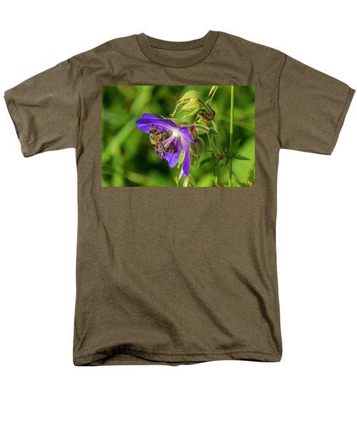 Bee At Work Men's T-Shirt  (Regular Fit) by Ulrich Burkhalter