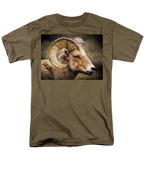 Bighorn Sheep In Winter Men's T-Shirt  (Regular Fit)