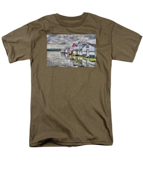 Boat Houses In The Finger Lakes Men's T-Shirt  (Regular Fit)