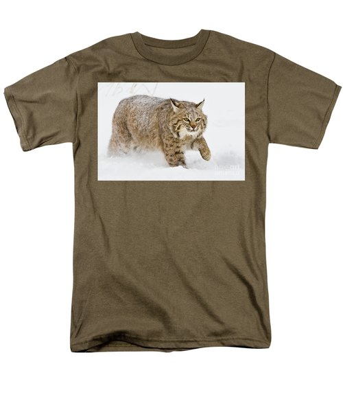 Bobcat In Snow Men's T-Shirt  (Regular Fit) by Jerry Fornarotto