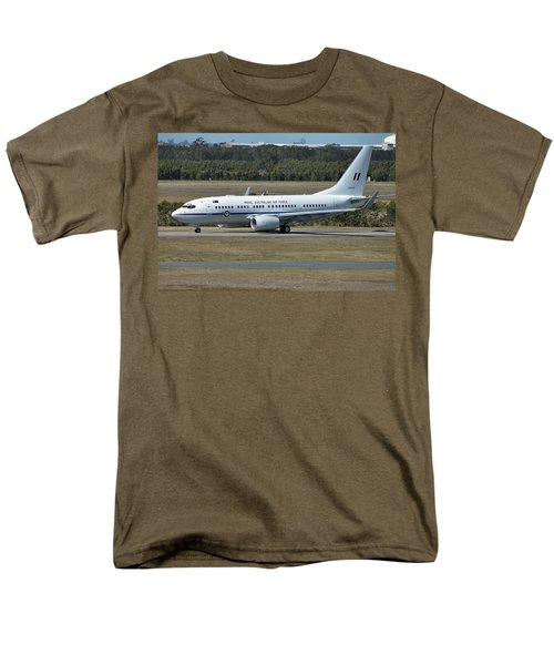 Boeing 737-7dt Men's T-Shirt  (Regular Fit) by Tim Beach