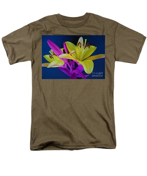 Men's T-Shirt  (Regular Fit) featuring the photograph Bold Beautiful Flowers by Ray Shrewsberry