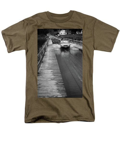 Men's T-Shirt  (Regular Fit) featuring the photograph Brookfield, Vt - Floating Bridge Bw by Frank Romeo