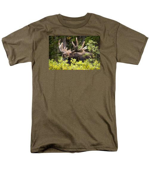 Men's T-Shirt  (Regular Fit) featuring the photograph Browser by Aaron Whittemore