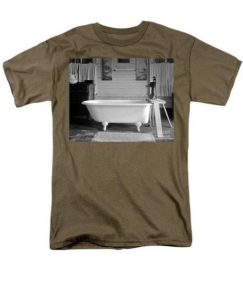 Caroline's Key West Bath Men's T-Shirt  (Regular Fit) by John Stephens
